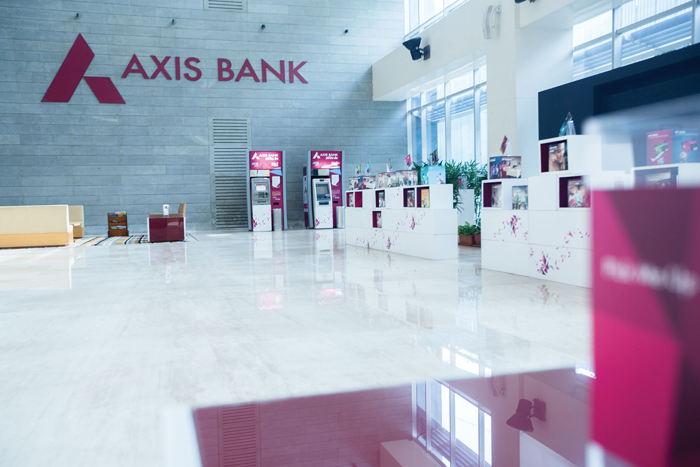 as per vision 2020 how much bankable population does axis bank aim to reach profitability