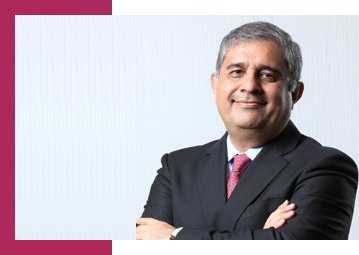 Amitabh Chaudhry Axis Bank CEO